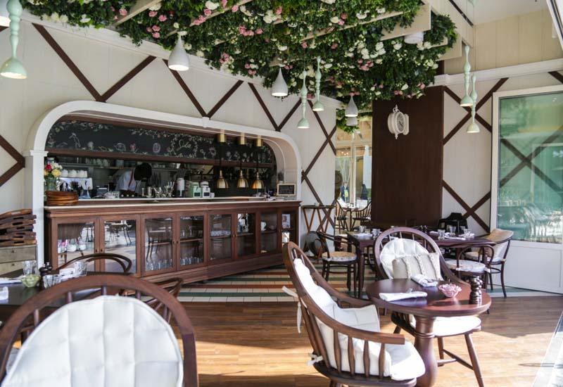 Jolie Café